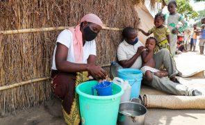 Moçambique/Ataques: ExxonMobil doa 25 toneladas de alimentos para deslocados