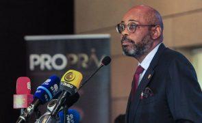 Ex-ministro das Finanças de Angola acusado de corrupção pelo fisco espanhol - El Mundo