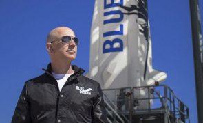 Jeff Bezos foi ao espaço e regressou a Terra em apenas 10 minutos