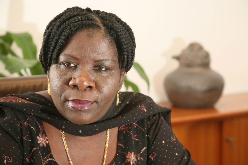 Antiga PM moçambicana otimista num reatamento de programa com o FMI