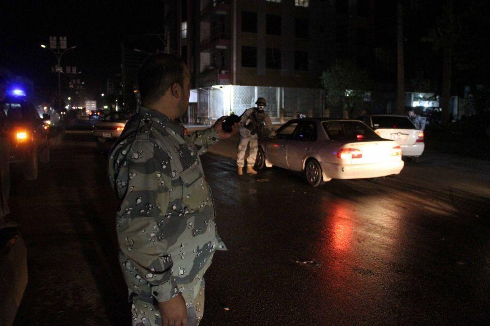 Três foguetes caem perto do palácio presidencial na capital do Afeganistão