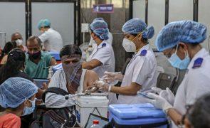 Covid-19: Pandemia matou pelo menos 4,10 milhões de pessoas em todo o mundo