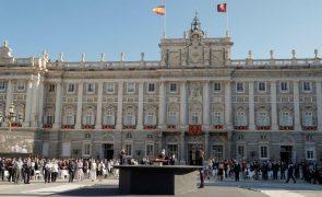 Covid-19: Contágios em Espanha sobem para 622 casos por cada 100 mil habitantes