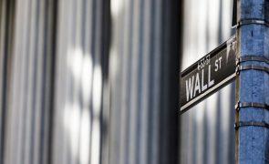 Fatores técnicos permitem que Wall Street recupere parte das perdas de 2.ª feira