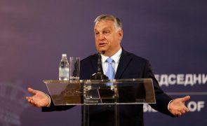 PM húngaro convoca referendo sobre lei anti-LGBTI