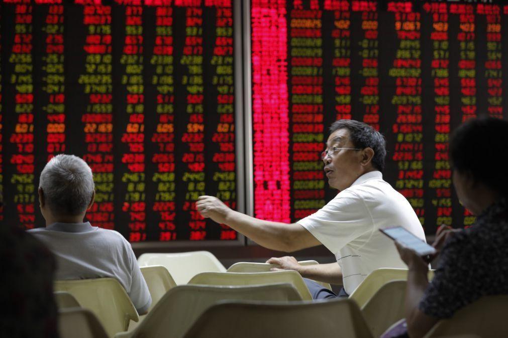 Bolsa de Xangai abre a subir 0,03%