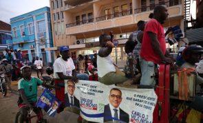 São Tomé/Eleições: Vencedor da primeira volta pede a concorrentes que coloquem o país em primeiro lugar
