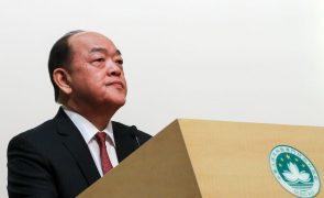 Líder de Macau respeita decisão de exclusão de candidatos pró-democracia às eleições