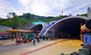 Sobem para 14 os mortos em inundação de túnel na cidade chinesa vizinha de Macau