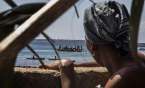 Mercadoria de barco naufragado em Moçambique eram do proprietário da embarcação
