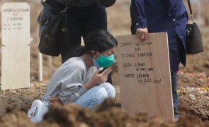 Covid-19: Pandemia já matou quase 4,13 milhões de pessoas em todo o mundo