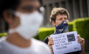 Covid-19: MSF lamentam entraves à produção independente da vacina em África