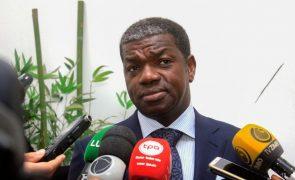 Angola propõe taxa de exportação total de 230,5% para travar contrabando de combustível
