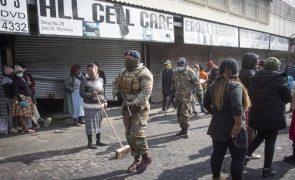 Número de mortos nos confrontos na África do Sul sobe para 337