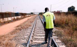 Descarrilamento obriga a interromper ligação do Caminho de Ferro de Moçamedes