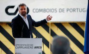 Pedro Nuno Santos garante que compra de comboios
