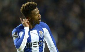 FC Porto empresta médio Loum ao Alavés por uma temporada