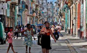 Covid-19: Cuba bate recorde de casos diários e cubanos pedem ajuda à ONU