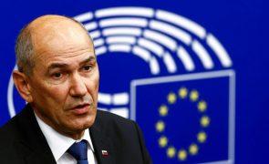 PM esloveno acusa comissário da UE de mentir sobre Estado de direito no país