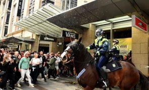 Covid-19: Manifestantes protestam contra confinamento em Sydney