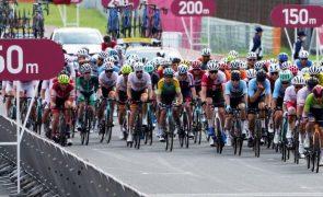 Tóquio2020: Carapaz vence prova de fundo do ciclismo de estrada, João Almeida 13.º