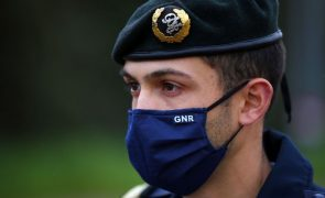 GNR detém homem por posse de arma proibida e apreende 11 garrafas de óxido nitroso