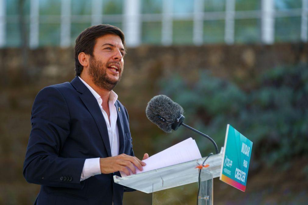 Líder do CDS critica Eduardo Cabrita apelidando-o de