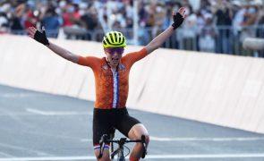 Tóquio2020: Ciclista Van Vleuten festejou o ouro, mas acabou com a prata