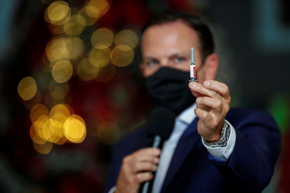 Covid-19: Governador de São Paulo critica Bolsonaro e aposta na vacinação