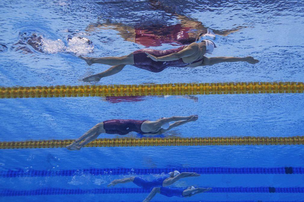 Tóquio2020: Recorde olímpico dos 100 costas femininos cai três vezes em seis minutos