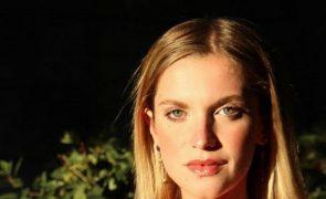 Júlia Palha só de biquíni deixa seguidores de olhos em bico