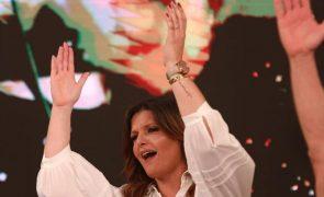 Maria Botelho Moniz sensual arrasa cheia de transparências