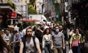 Covid-19: França regista mais 16.167 infeções e mais seis mortes