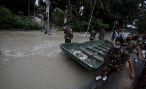 Sobe para 159 o número de mortos na Índia devido a chuvas de monção