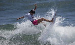 Tóquio2020: Surfista Teresa Bonvalot cai na terceira ronda frente a Silvana Lima