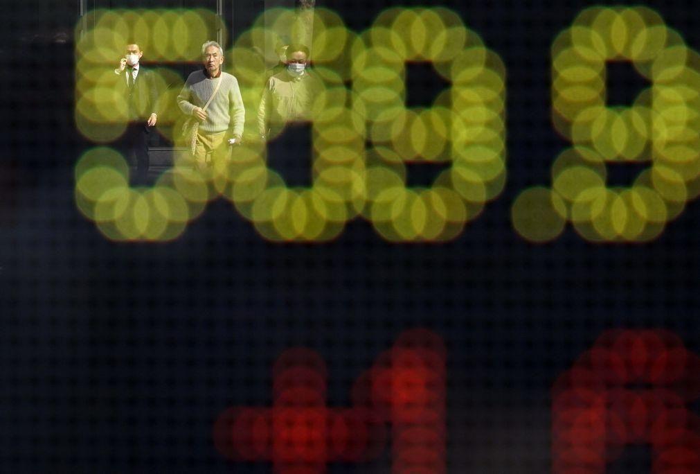 Bolsa de Tóquio fecha a ganhar 1,04%