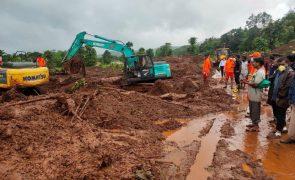 Sobe para 164 o número de mortos por chuvas torrenciais no oeste da Índia