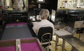 Covid-19: Portugal aloja sete das 366 fábricas da UE para produção de vacinas