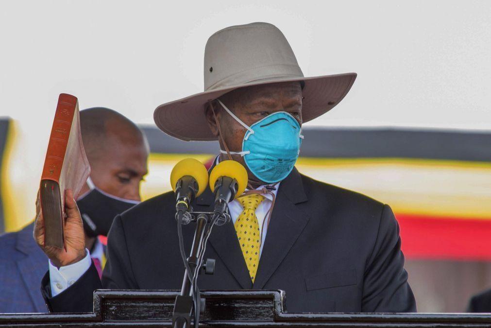 PR do Uganda ratifica pena de morte para crimes de rituais de sacrifício humano