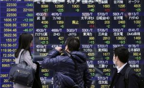 Bolsa de Tóquio fecha a perder 1,39%