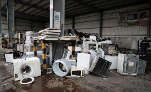 Recolhidas 1.150 toneladas de equipamentos elétricos usados em seis meses