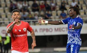 Santa Clara volta a vencer Shkupi e segue em frente na Liga Conferência Europa