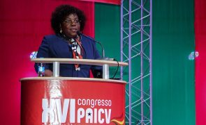 MPLA adverte opositores que poder