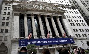 Wall Street inicia sessão no 'vermelho' com Amazon em queda