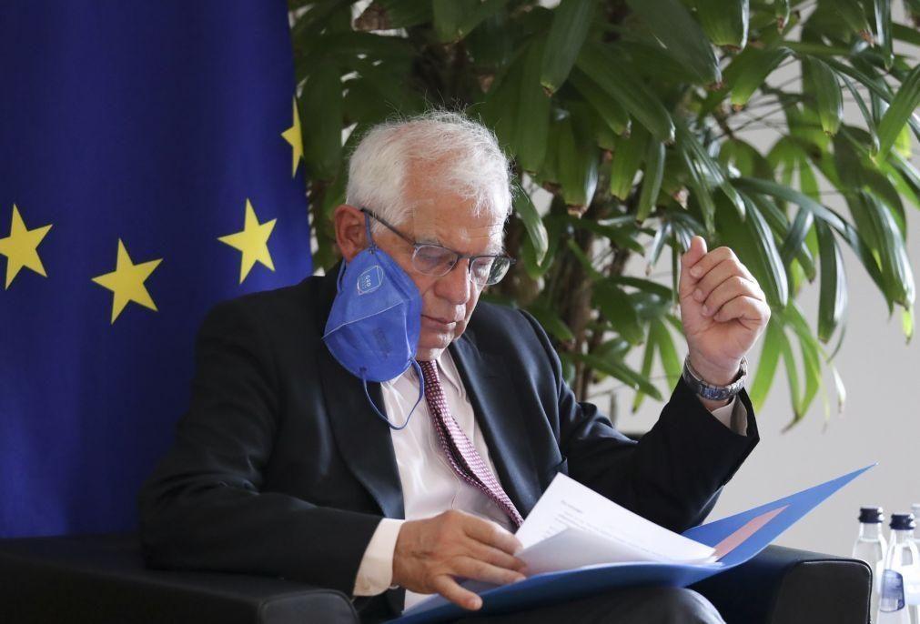 Migrações: UE condena