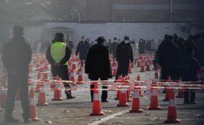 Covid-19 volta um ano depois a Wuhan e autoridades ordenam testes em massa