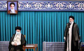 Novo Presidente do Irão promete tentar levantar as sanções económicas