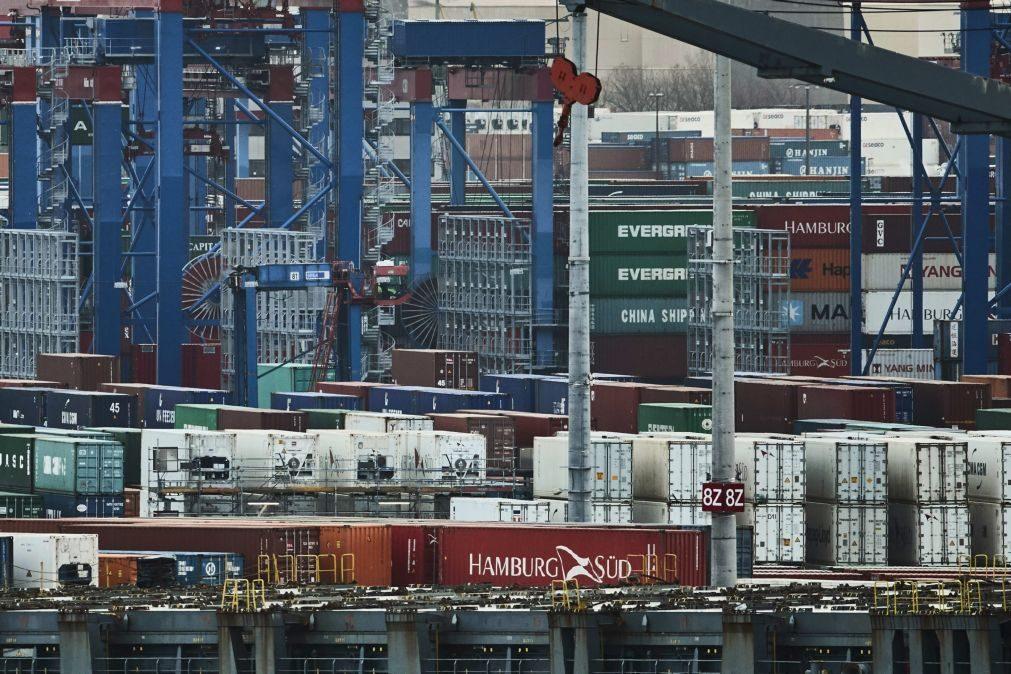 Excedente da zona euro recua para 21,4 mil ME no comércio externo em maio