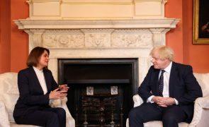 PM britânico diz a opositora bielorrussa Tikhanovskaya