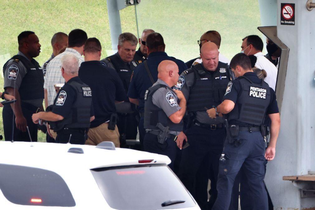 Polícia abateu atirador junto ao Pentágono, um agente policial morreu esfaqueado
